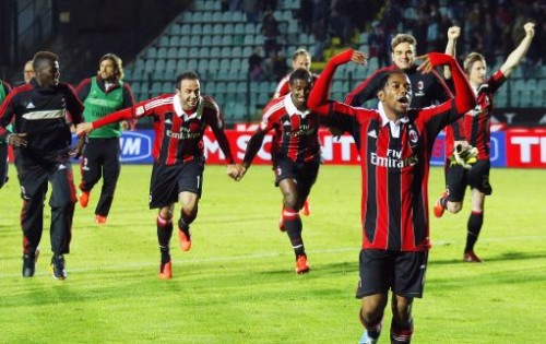 Siena Milan 1-2. Esultano i giocatori rossoneri dopo la vittoria in extremis