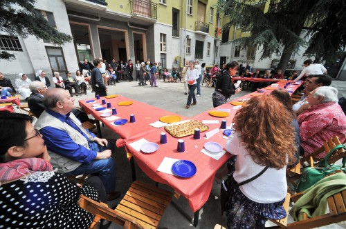 1077169 FESTA DI VIA PADOVA, INIZIATIVA &#039; VIA PADOVA E&#039; MEGLIO DI MILANO &#039;