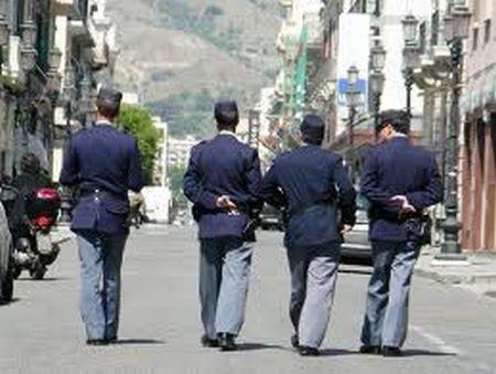 I poliziotti arrabbiati e la ricerca (affannosa) di un secondo lavoro