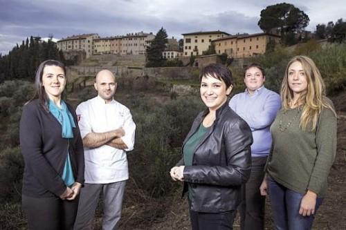 Cinque giovani al rientro e la rinascita di Castelfalfi