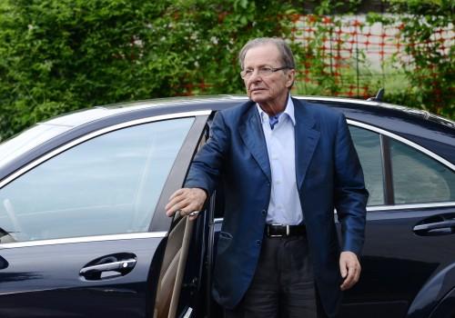 Gino Corioni all'arrivo alla sede di Ubi banca